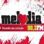Logo da emissora Rádio Melodia 99.3 FM