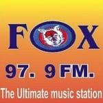 Logo da emissora Rádio Fox 97.9 FM