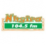 Logo da emissora Rádio Nhyira 104.5 FM