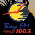 Logo da emissora 4BAY 100.3 FM Bay