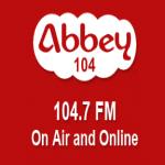Logo da emissora Abbey 104.7 FM