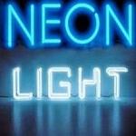 Logo da emissora Neon Light Rádio