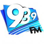 Logo da emissora R�dio Maracu 93.9 FM