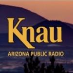 Logo da emissora KNAA 90.7 FM KNAU