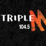 Logo da emissora Radio Triple M 104.5 FM