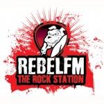 Logo da emissora Radio Rebel 99.4 FM