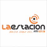 Logo da emissora Radio La Estación 107.9 FM