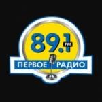 Logo da emissora First Radio 89.1 FM
