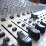 Logo da emissora Web Rádio Santidade FM