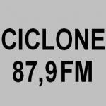 Logo da emissora Rádio Ciclone 87.9 FM