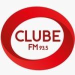 Logo da emissora Rádio Clube 93.5 FM