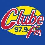 Logo da emissora Rádio Clube 97.9 FM