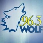 Logo da emissora KXLW 96.3 FM Wolf