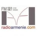 Logo da emissora Arménie 102.6 FM