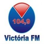 Logo da emissora Rádio Victória 104.9 FM