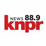 Logo da emissora KNPR 88.9 FM