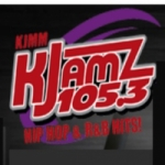 Logo da emissora Radio KJMM 105.3 FM