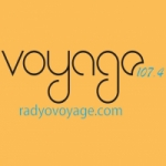 Logo da emissora Radio Voyage 107.4 FM