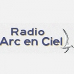 Logo da emissora Radio Arc-en-Ciel 103.4 FM
