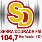 Logo da emissora Rádio Serra Dourada 104.7 FM