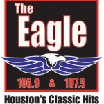 Logo da emissora KGLK The Eagle 107.5 FM