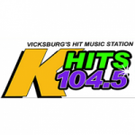 Logo da emissora Radio KLSM K-Hits 104.5 FM