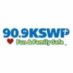 Logo da emissora KSWP 90.9 FM
