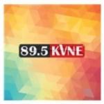 Logo da emissora KVNE 89.5 FM
