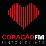 Logo da emissora Radio Coração FM 104.9