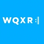 Logo da emissora WQXR 105.9 FM