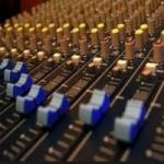 Logo da emissora Rádio Ponto 1000