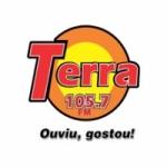 Logo da emissora Rádio Terra 105.7 FM