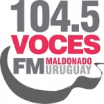Logo da emissora Radio Voces 104.5 FM