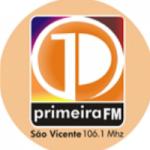 Logo da emissora Rádio Primeira 106.1 FM