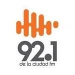 Logo da emissora Radio De La Ciudad 92.1 FM