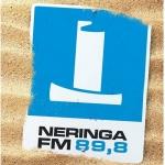 Logo da emissora Neringa 89.8 FM