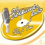 Logo da emissora Vidkryte Radio 102.5 FM