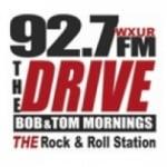 Logo da emissora WXUR 92.7 FM