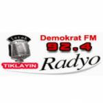 Logo da emissora Radio Demokrat 92.4 FM