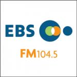 Logo da emissora Radio EBS 104.5 FM