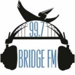 Logo da emissora Radio Bridge 99.7 FM