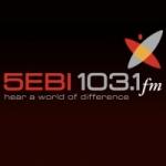 Logo da emissora Radio 5EBI 103.1 FM